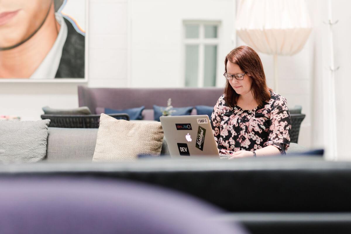Få det gjort - webbhjälp - Jenny Sandfors hjälper dej med webb och teknik.